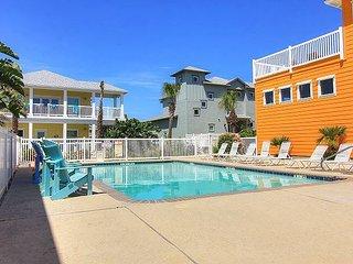 Village Walk 3BR, 2BA Port A Beach House - Gated Community w/ Pools!