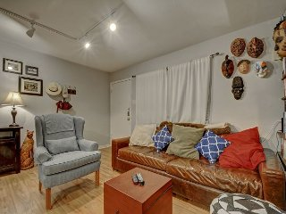 1BR Terrace Creekside Condo in Travis Heights w/ Pool, Near Downtown & SoCo