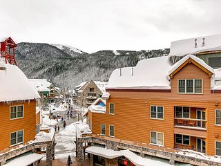 1BR Keystone Condo w/Mountain Views - Steps to the Ski Lift & Restaurants