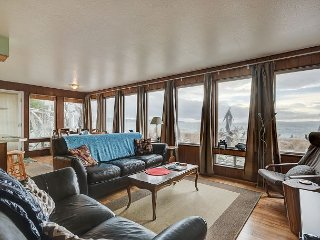 2BR N. Puget Sound Gem in Coupeville with Private Beach & Immaculate Sunsets