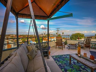 Charming 2BR, 2BA San Pedro Apartment - Harbor Views, Stroll to the Beach, Rolling Hills