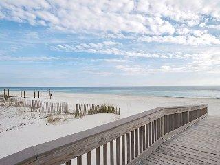 2BR, 2BA Beachfront Gulf Shores Condo w/ Pool – Walk to Shops, Restaurants