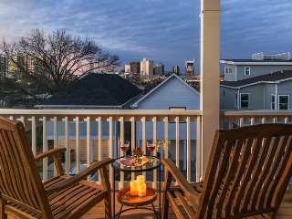 Skyline Views from The Gulch in Nashville: 3 BR, 2.5 BA House, Sleeps 8