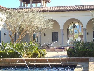 3BR, 3BA Legacy Villas La Quinta Condo with Pool, Spa & Golf Course Access