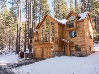 6BR, 5BA South Lake Tahoe House with 3 Master Suites, Jetted Tubs & Balconies