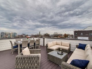 High-End, 4BR, 4BA Nashville Home in The Gulch – Rooftop Deck, Near Downtown