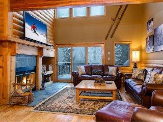 3BR, 3BA Spacious Aspenwood Townhouse in Deer Valley – Near Skiing, Bus