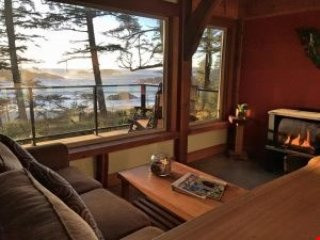 Otter Lodge | WYA Point Resort, Ucluelet
