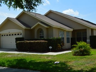 Updated Villa with Pool & Spa Near Disney!, Clermont