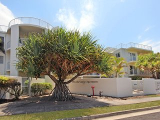 Unit 2 Marcoola Sunrise - 2 Tamarindus Street Marcoola Beach -  300 BOND
