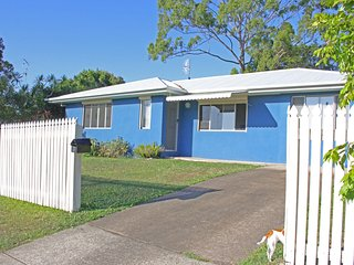 3 Callen Street Coolum Beach - 400 Bond - PET FRIENDLY, Linen Included