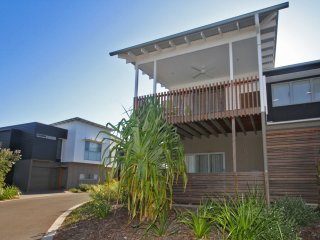 Unit 39 Kula Beach Shacks  - 42 Boardwalk Blvd Mount Coolum, 500 BOND, LINEN