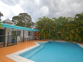 16 Santa Monica Avenue, Coolum Beach - Pet Friendly, 500 Bond