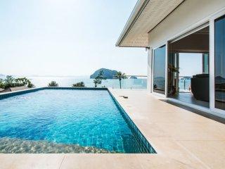 Karsts View Pool Villa, Khao Thong