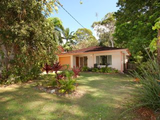 35 Santa Monica Avenue Coolum Beach, Pet Friendly, Linen Included