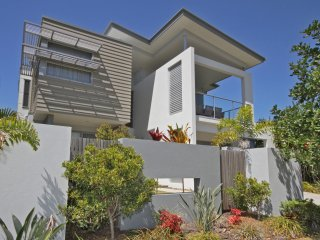 48 Boardrider Crescent, Mt Coolum - Pet Friendly, WiFi, Linen Incl. 500 BOND