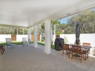 Unit 1/37, Mudjimba Esplanade - Linen Included, 400 BOND -