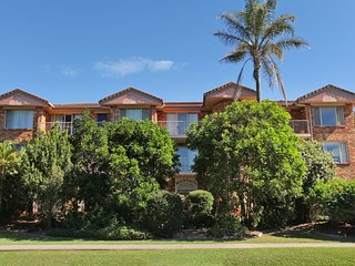 Unit 11, Beach Haven, 1858 David Low Way Coolum Beach, 500 BOND, LINEN SUPPLIED