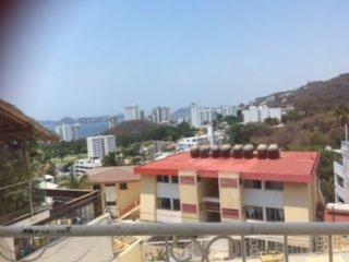 En Zona Dorada a 10 min de la playa, vista, alberca y terraza.