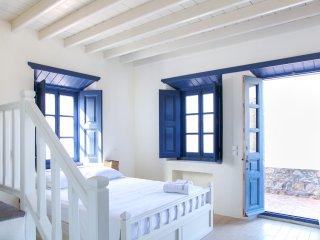 Calmness and Spiritual Patmos Villa, 4BR, 150m sea.