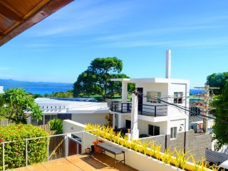 U2 Shambala Terraces - 1 BR Apt with Partial Ocean View