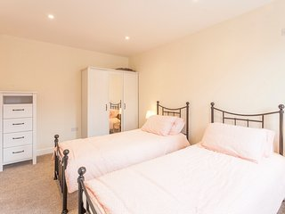 Serviced Apartment, Chelmsford, 5 mins to Station!