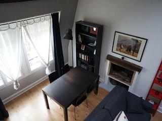 Gauche Attic apartment in 05eme - Quartier Latin …