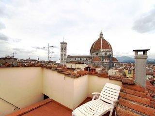 Proconsolo Tusca apartment in Duomo {#has_luxurio…