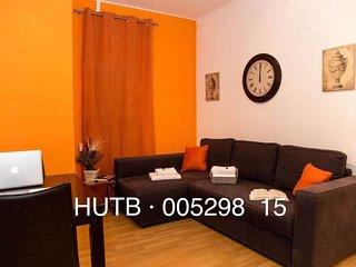 Sagrada Vibrante apartment in Eixample Dreta {#ha…