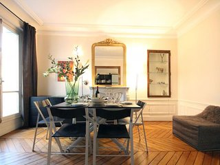 Descartes apartment in 05ème - Quartier Latin {#h…