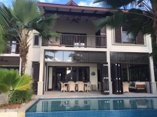 03 bedrooms fully equipped self-catering condo with private pool on Eden Island