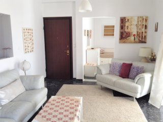 Apartment - 10 km from the beach, Atene