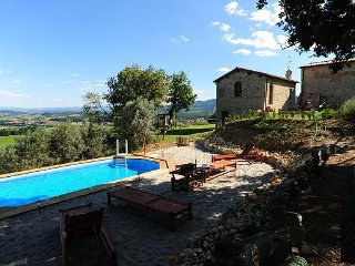 "FARM HOLIDAY APARTMENTS ""IL FRASSINE"""