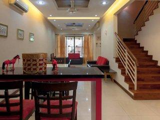 Penang Comfortable & Cozy 3 Storey WIFI Homestay