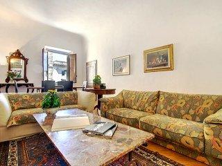 Lamberti Suite apartment in Duomo {#has_luxurious…, Donnini