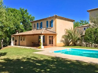 Provençal Villa Fayence -Sleeps 6-8 - Private Pool