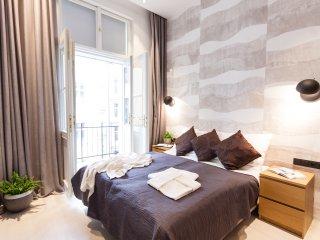 Glamour Premium B 4-Bedrooms, 4-Bathrooms, Balcony (Prague Old Town)