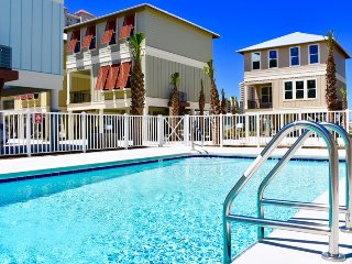 Walk to Beach! Pets! POOL! Strong WIFI: April /May DATES! Gorgeous new home!