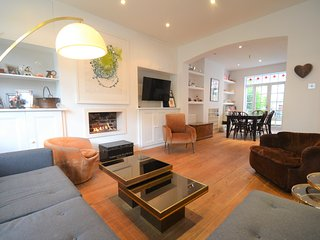 Beautiful Family-Friendly Home in London! (Zone 2)