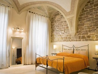Singing Arches apartment in Duomo {#has_luxurious…