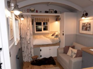 Avenue Farm Shepherds Hut