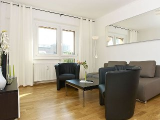 Stralauer Spree II apartment in Friedrichshain {#…