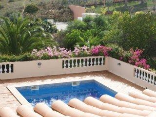 Quatro Ventos, Luxury Villa, 3 Bedroom, Extensive Gardens & Pool.
