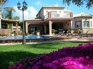 Magnifique villa avec jardin et piscine