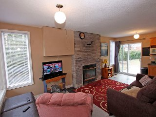 Beach cottage (#1145), Wasaga Beach