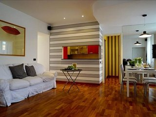 XXV Aprile apartment in Porta Garibaldi {#has_lux…