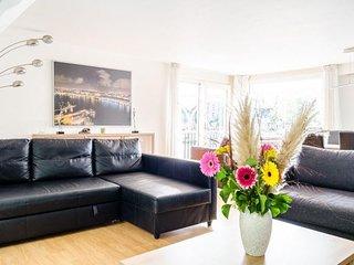 Houseboat Anita apartment in Oostelijk havengebie…