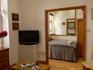 Boutique 1 Bed Serviced Apartment in Converted Trendy Old Bakery