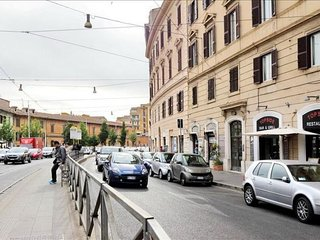 Labicana Terrace apartment in Centro Storico {#ha…