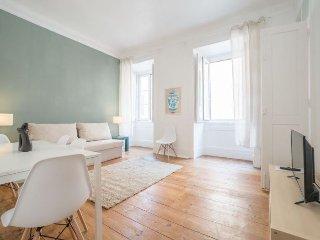 Travessa Mercês III apartment in Bairro Alto {#ha…, Lisbon